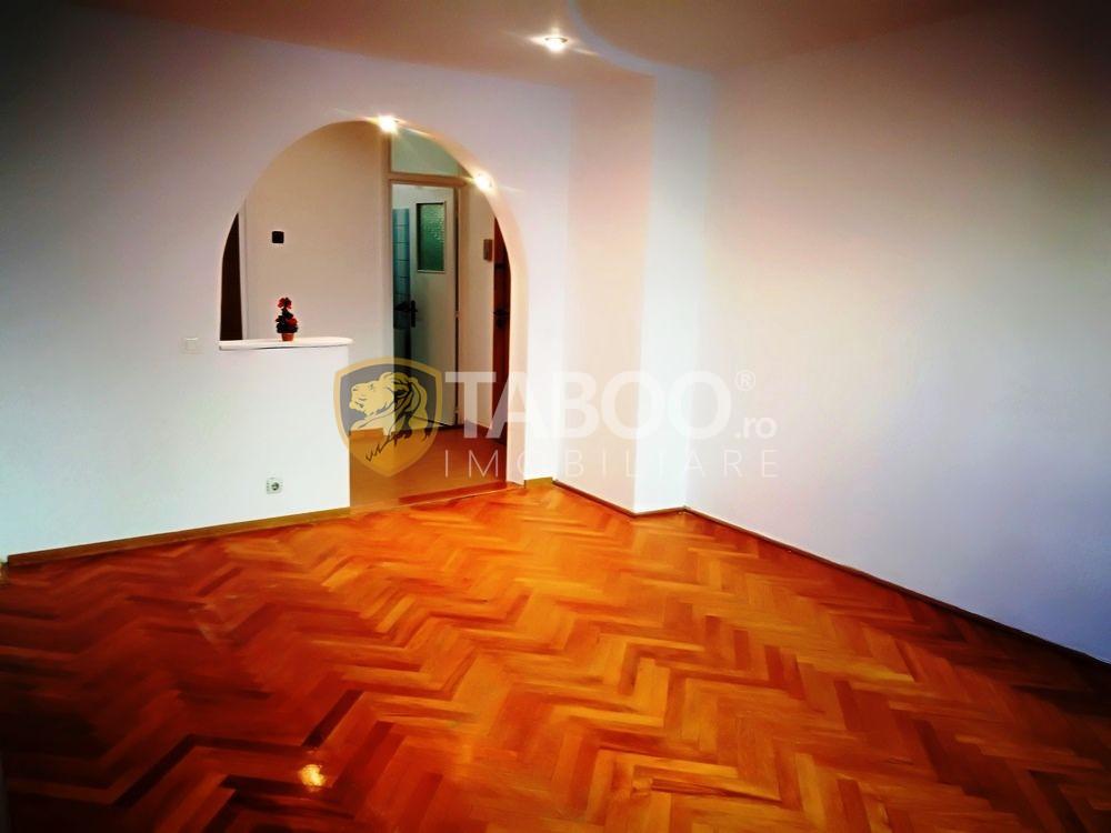 Apartament 80 mp totali 3 camere 2 bai balcon de vanzare Mihai Viteazu 3
