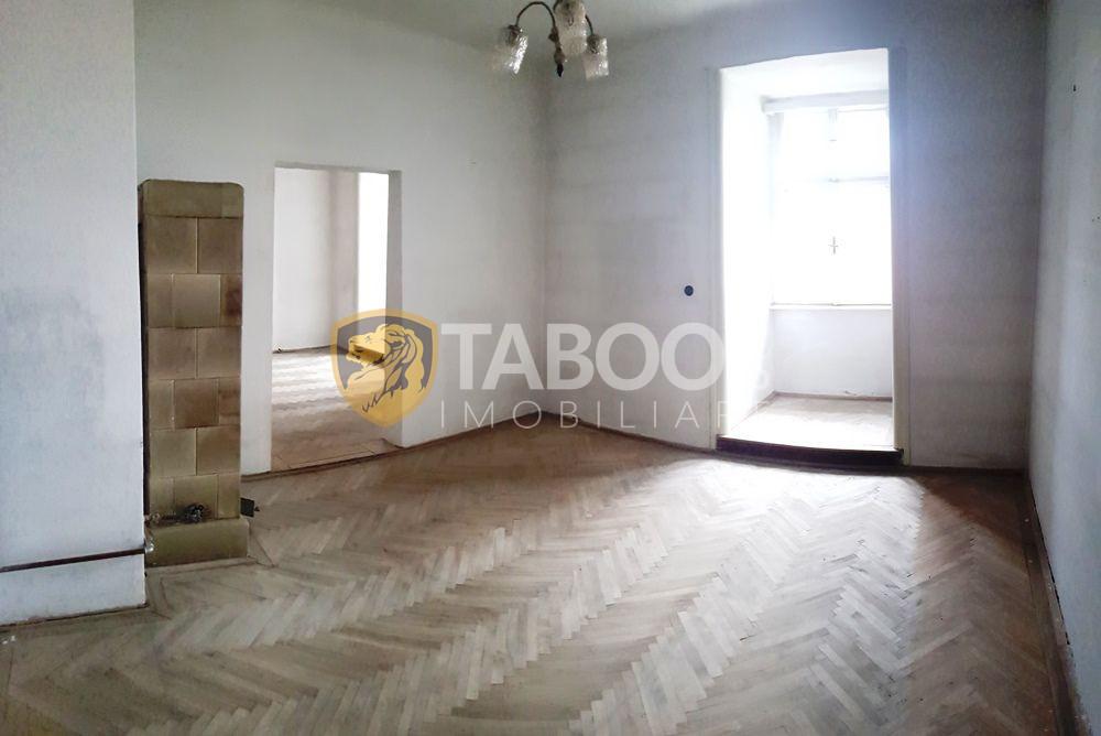 Apartament 7 camere decomandate de vanzare zona centrala Sibiu 190 mp 1
