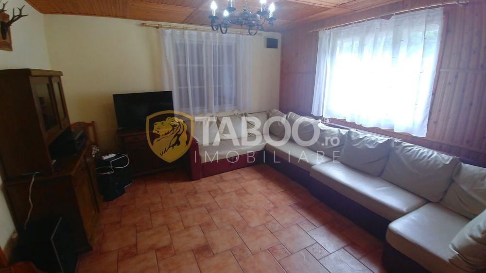 Cabana cu 8 camere de vanzare in Raul Sadului judetul Sibiu 2