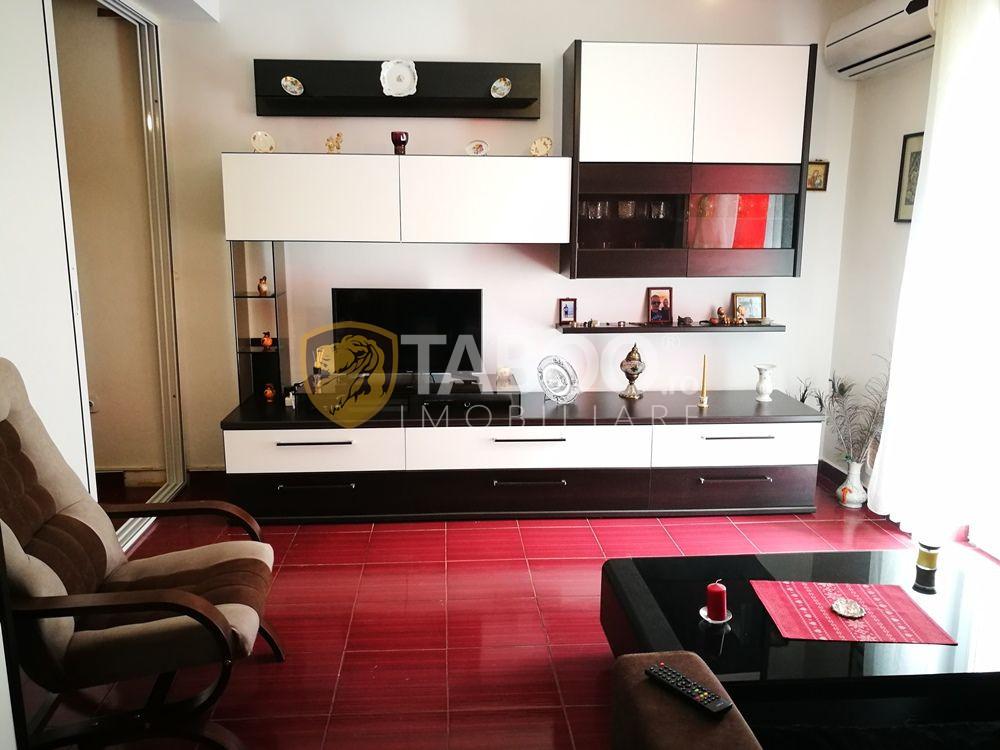 Apartament cu 3 camere 110 utili si balcon de vanzare zona Strand 2