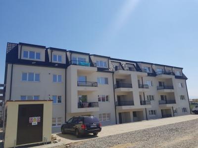 Apartament 3 camere 86 mp utili cu loc parcare si garaj de vanzare zona XXL