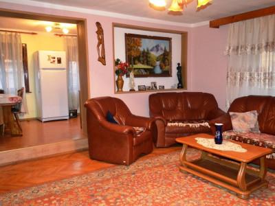 Casa cu 6 camere si spatiu comercial de 80 mp in Sibiu zona Terezian