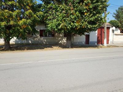 Casa saseasca cu 6 camere de vanzare in Petresti judetul Alba