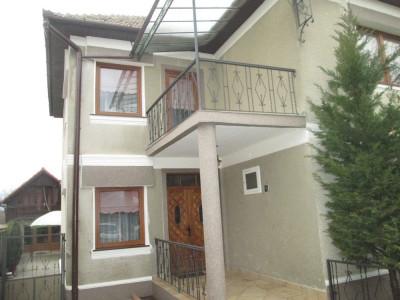 Casa de vanzare cu 6 camere in Sebes zona Centrala