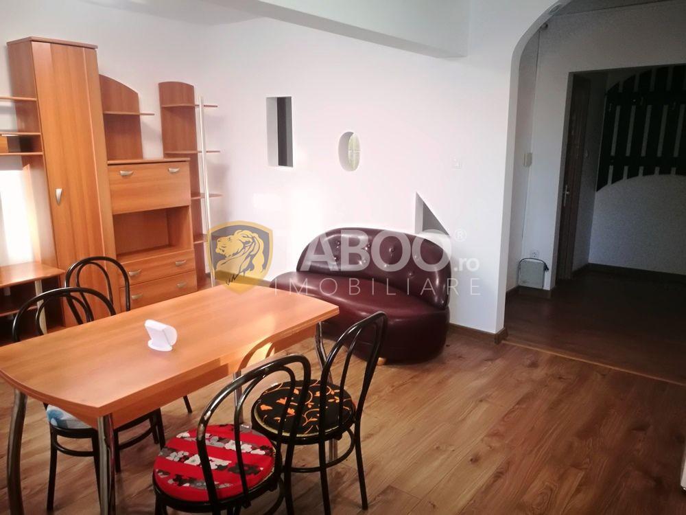 Apartament 3 camere decomandate de inchiriat pe strada Siretului 1