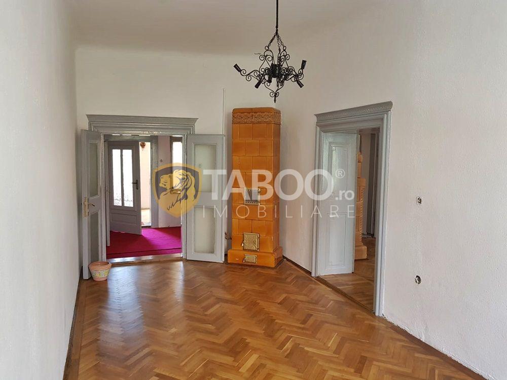 Apartament cu 2 camere decomandate de vanzare zona Centrala Sebes 1