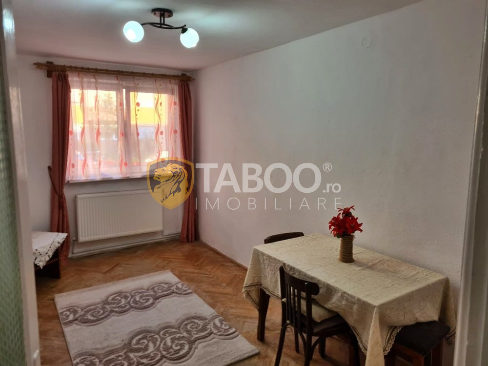 Apartament cu 2 camere de vanzare in Sebes cartier Mihail Kogalniceanu 1