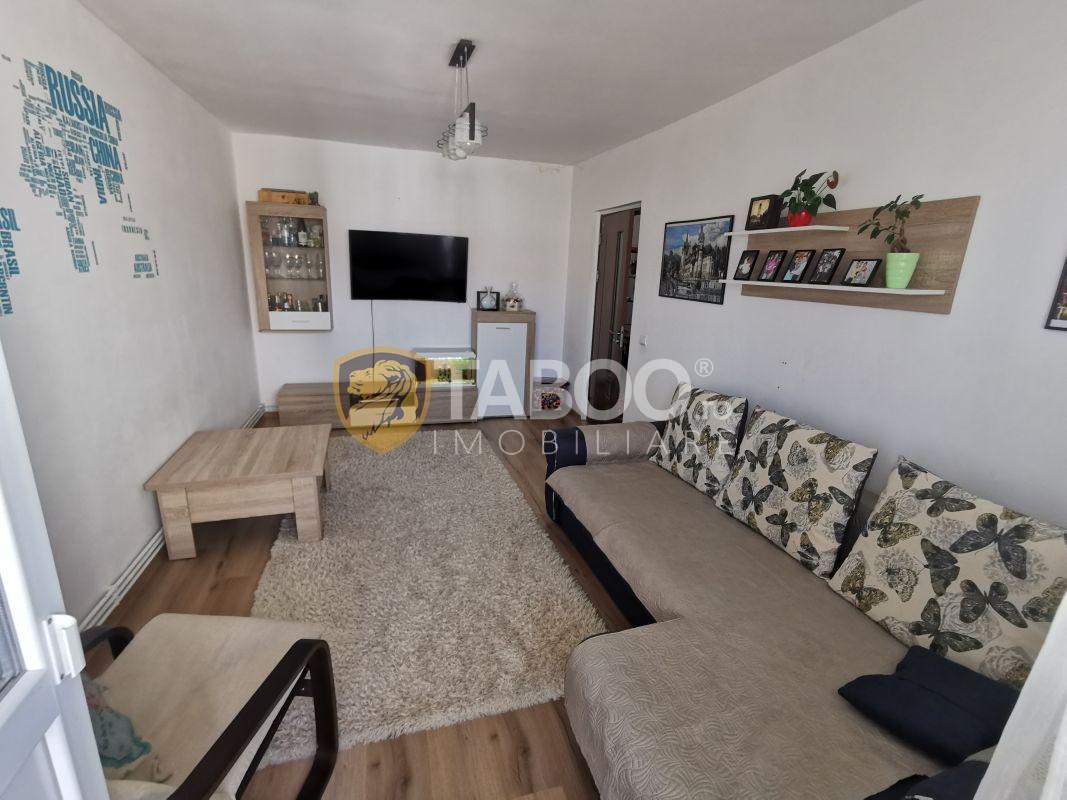 Apartament 3 camere 2 balcoane si pivnita de vanzare in Valea Aurie  1
