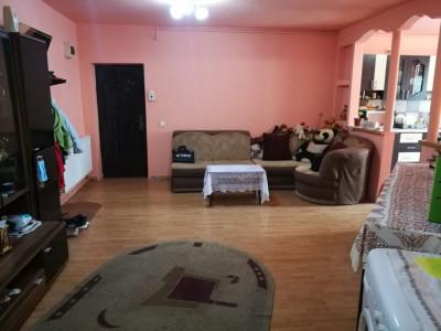 Apartament 3 camere 72 mp utili cu balcon in Sibiu zona Rahovei