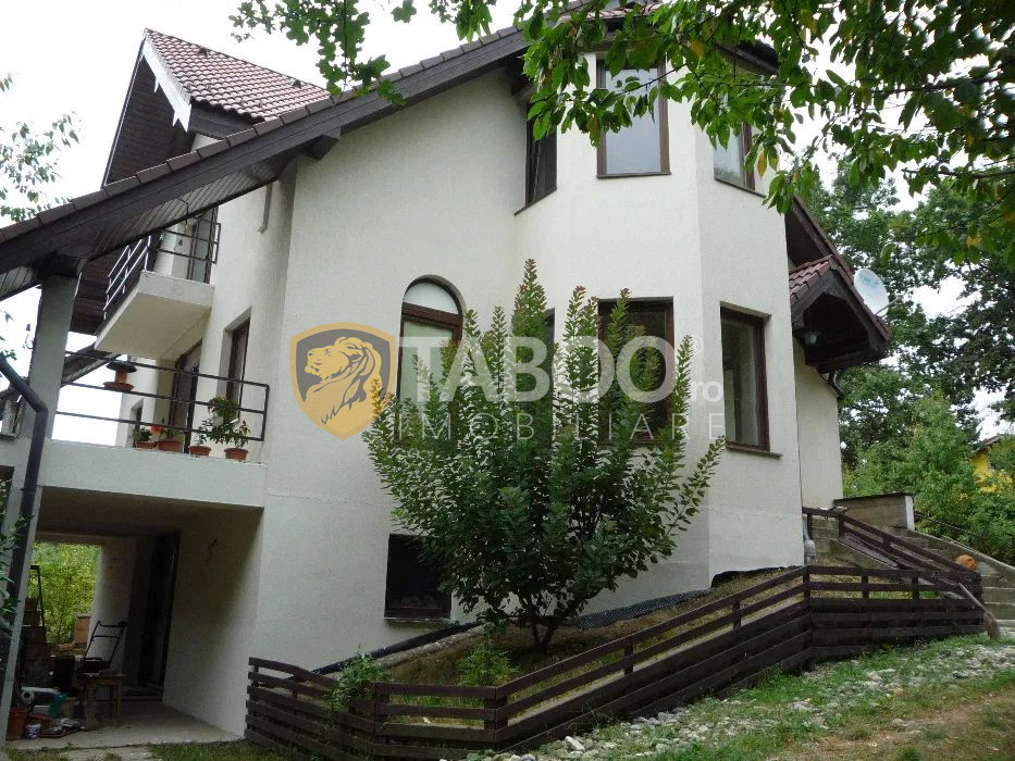 Casa individuala de vanzare 5 camere teren 2000 mp in Cisnadie Sibiu 1