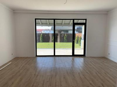 Casa individuala cu 4 camere si garaj de vanzare in Selimbar