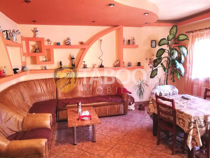 Casa de vanzare cu 10 camere garaj si pivnita in Sibiu zona Turnisor 1
