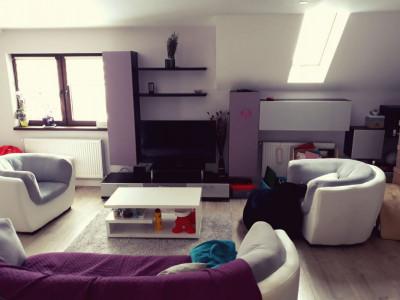 Apartament cu 102mp utili si 3 camere 2 bai pivnita balcon in Sibiu zona Tilisca