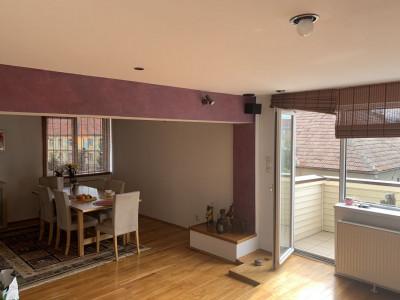 Apartament 5 camere de închiriat zona Centrală din Sibiu