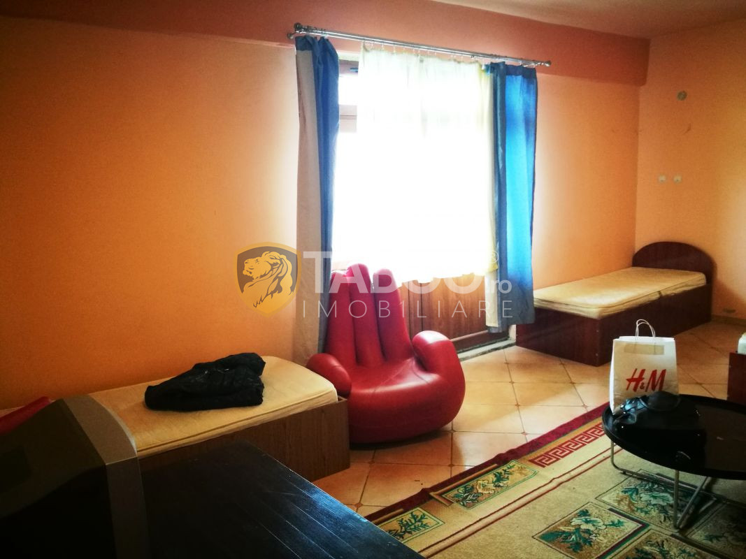 Casa individuala de vanzare cu 8 camere si 8 bai in Sibiu zona Strand 7