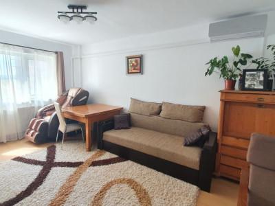 Apartament cu 3 camere decomandate pivnita si balcon 2 bai zona Rahovei