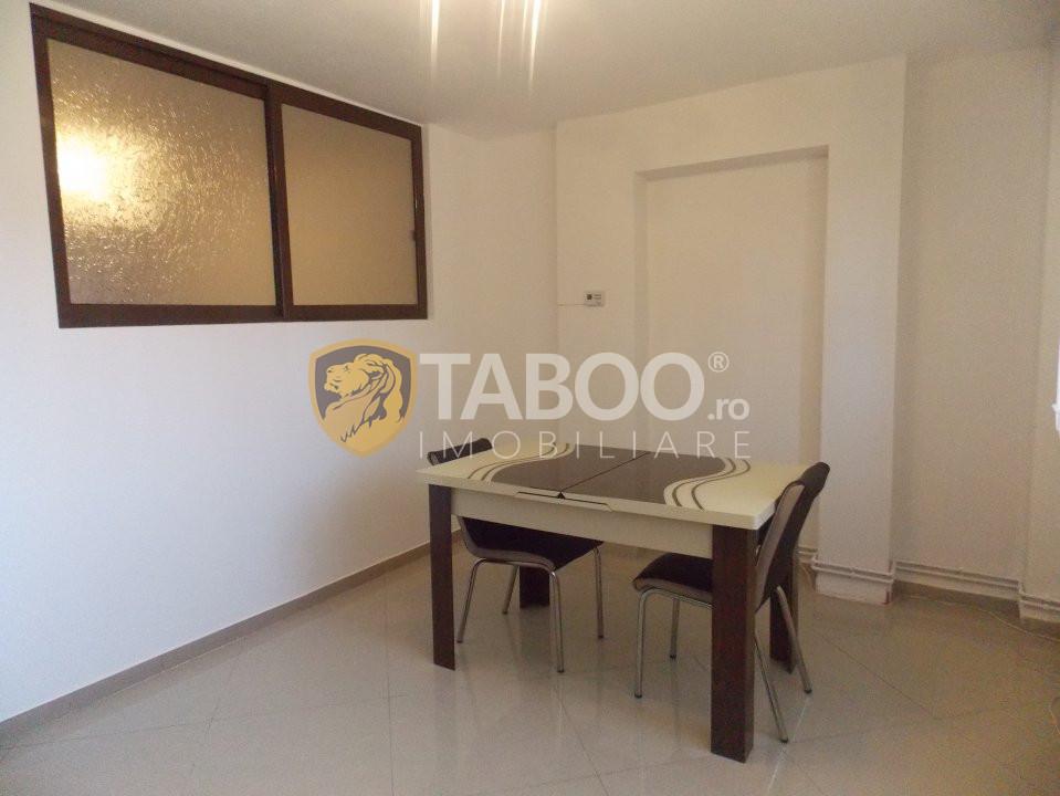 Apartament 3 camere 65 mp utili de vanzare in Sibiu zona Strand 2 3