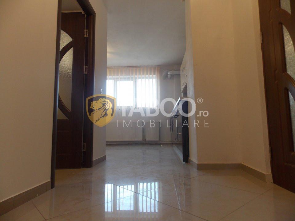 Apartament 3 camere 65 mp utili de vanzare in Sibiu zona Strand 2 4