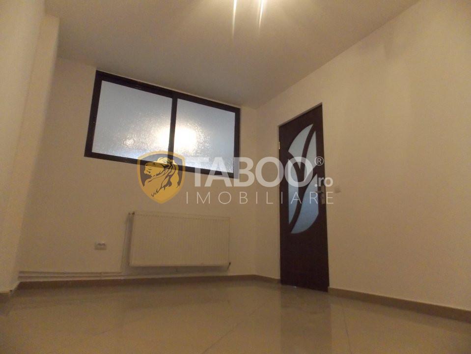 Apartament 3 camere 65 mp utili de vanzare in Sibiu zona Strand 2 8