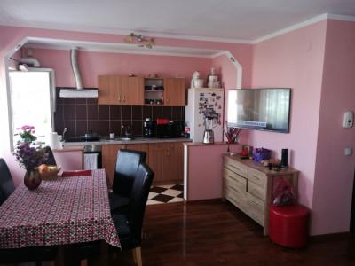 Apartament de vanzare 4 camere 2 bai pivnita Vasile Aaron Sibiu