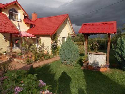 Casa cu 6 camere decomandate de vanzare in Tocile judetul Sibiu