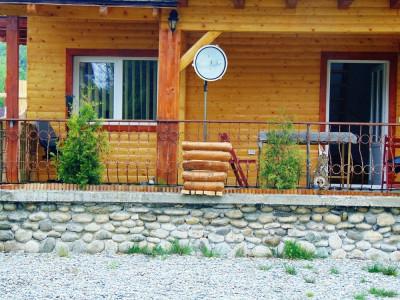 Casa de vacanta 4 camere si 1100 mp teren de vanzare in Tocile Sibiu