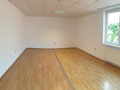 Spatiu de birouri 55 mp utili de inchiriat in Sibiu zona Terezian