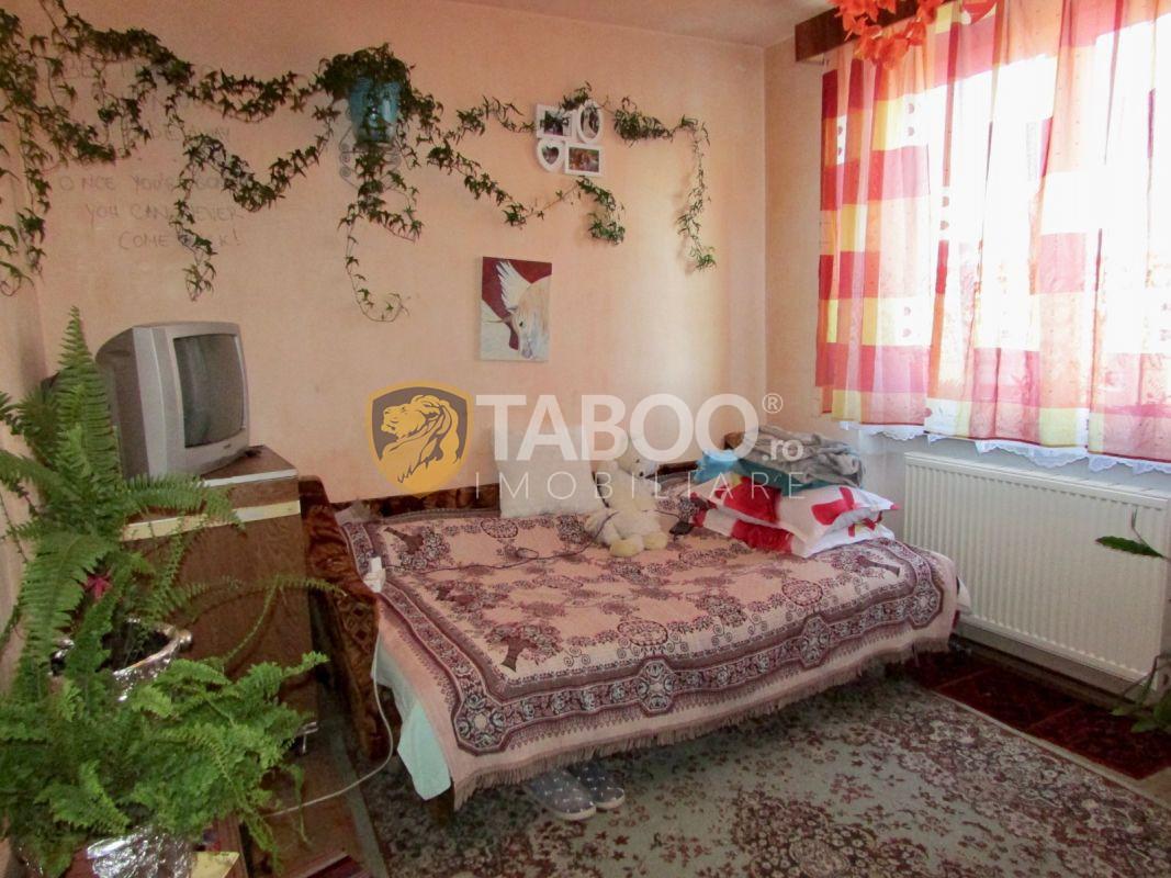 Apartament 53 mp utili cu balcon in Sibiu zona Terezian 1