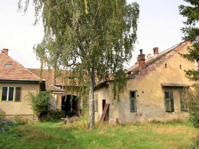 Casa individuala cu 8 camere si curte de 415 mp in Sibiu zona Piata Cluj