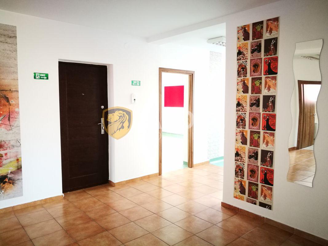 Spatiu comercial 100 mp utili de inchiriat zona Mihai Viteazu 15