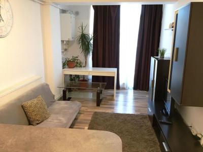 Apartament cu 2 camere si balcon de vanzare pe strada Doamna Stanca