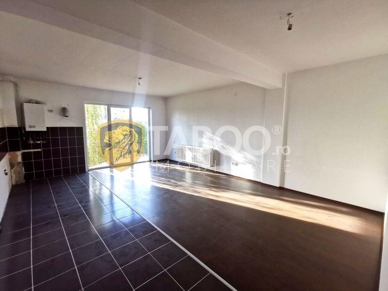 Apartament cu 2 camere si 2 balcoane de vanzare in zona Turnisor Sibiu 1