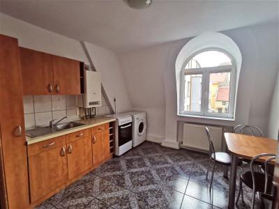 Apartament cu 3 camere si balcon de inchiriat in zona Centrala Sibiu