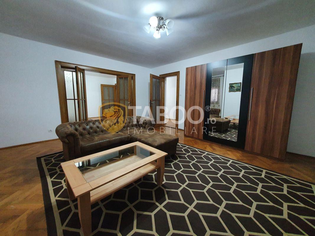 Apartament spatios de inchiriat in Centrul Istoric Sibiu 1