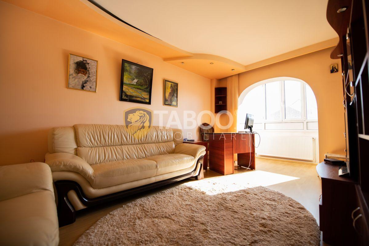 Apartament de vanzare mobilat utilat 2 camere in Sibiu Mihai Viteazul 1