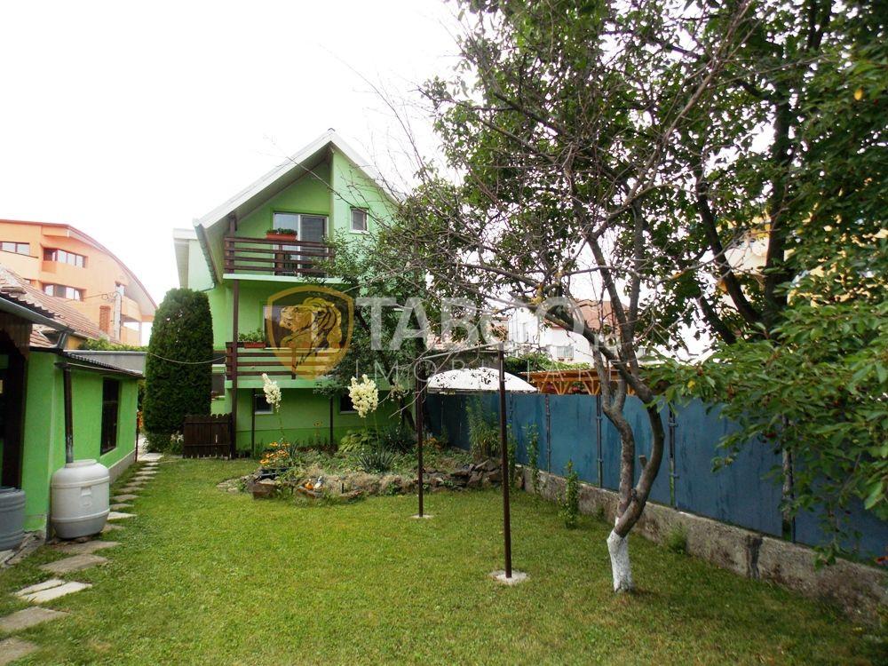 Casa 5 camere 2 corpuri 2 garaje de vanzare curte 300 mp Tilisca Sibiu 1