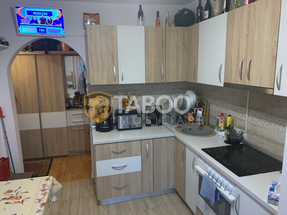 Apartament Cisnadie 35 mp etaj 3 renovat zona foarte buna 1