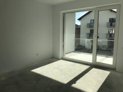 Apartament cu 3 camere si terasa de vanzare in Sibiu