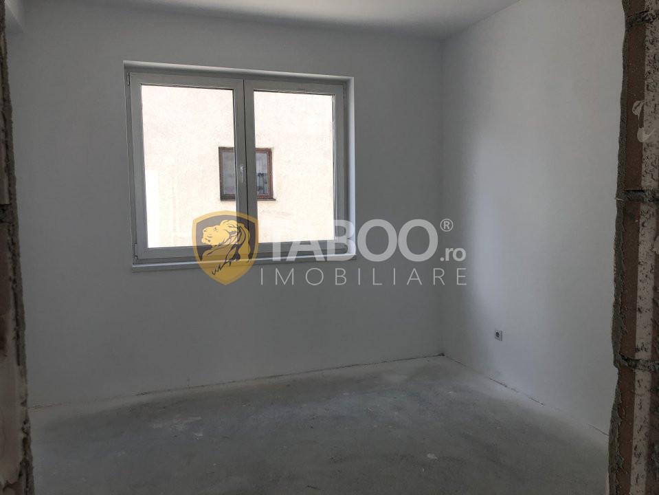 Apartament de vanzare 3 camere si terasa zona Calea Cisnadiei Sibiu 1