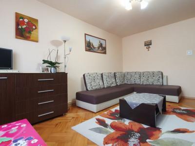 Apartament 2 camere decomandate si pivnita de vanzare in Sibiu zona Strand
