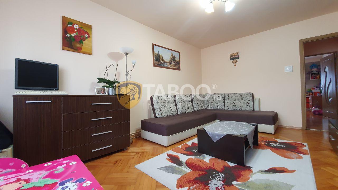 Apartament 2 camere decomandate pivnita de vanzare Sibiu zona Strand 1