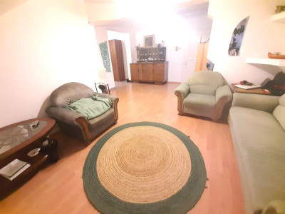 Apartament spatios cu 3 camere pod si camara in zona Tilisca din Sibiu