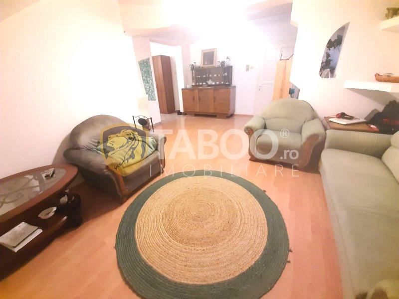 Apartament spatios cu 3 camere pod si camara in zona Tilisca din Sibiu 1