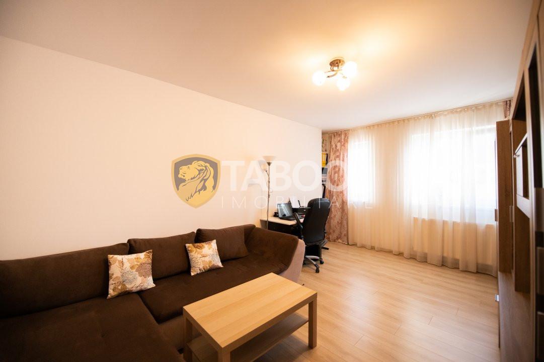 Apartament 2 camere cu balcon, parcare si boxa subsol zona Turnisor 1