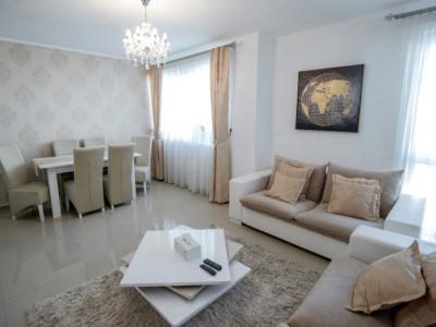 Apartament cu 3 camere balcon si 90 mp curte de vanzare in Selimbar