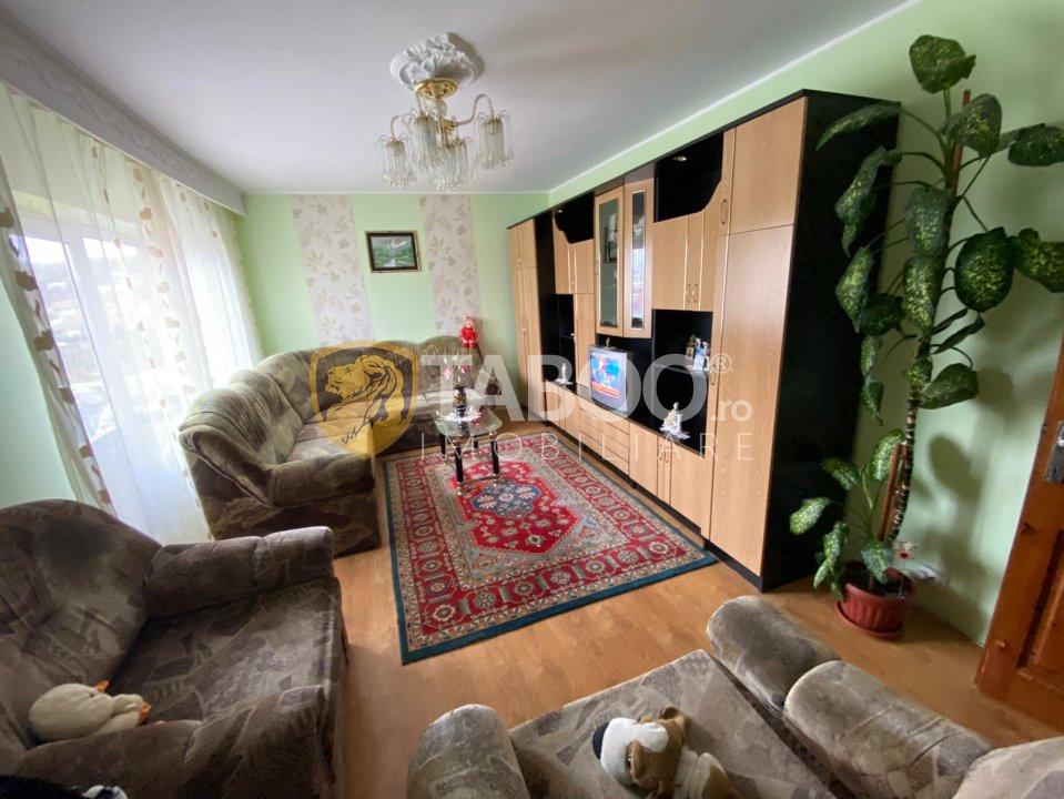 Apartament de vanzare 2 camere decomandate Cisnadie 3