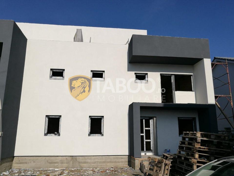 Casa de vanzare tip duplex cu 5 camere 165 mp utili in Selimbar 1