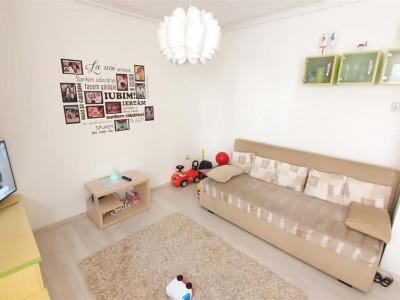 Apartament decomandat 3 camere curte loc de parcare in Sibiu Gusterita