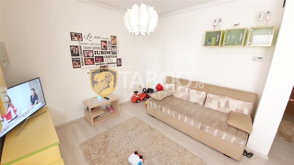 Apartament decomandat 3 camere curte loc de parcare in Sibiu Gusterita 1