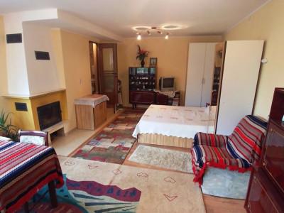 Casa cu 10 camere de vanzare si 600 mp teren in Sibiu Lazaret